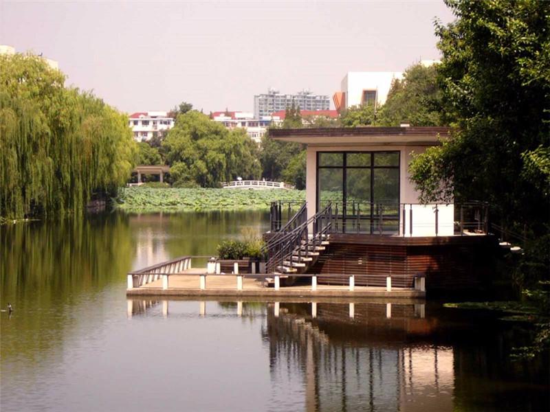 华东师范大学校园风景